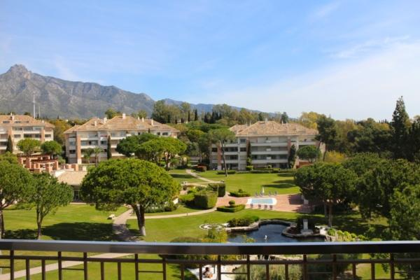 4 Bedroom, 5 Bathroom Penthouse For Sale in Marbella