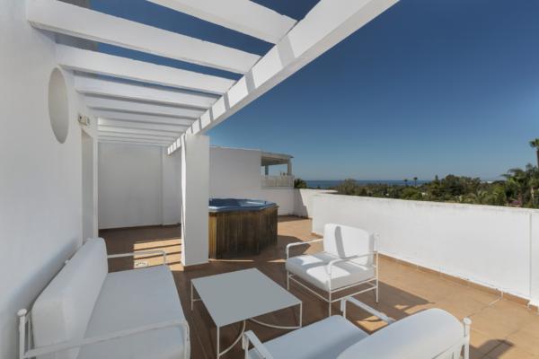 2 Bedroom, 2 Bathroom Penthouse For Sale in Marbella Real, Marbella Golden Mile